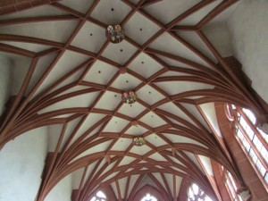 The Gothic ribbed ceiling of the choir of the Ersheim Chapel dates back to the middle of the 1400s
