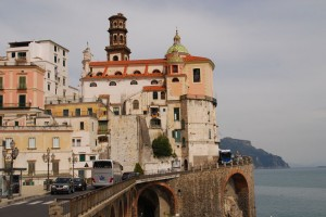 Alatri is a village on the approach to Amalfi from Minori. A narrow road clings to the Cliffside.